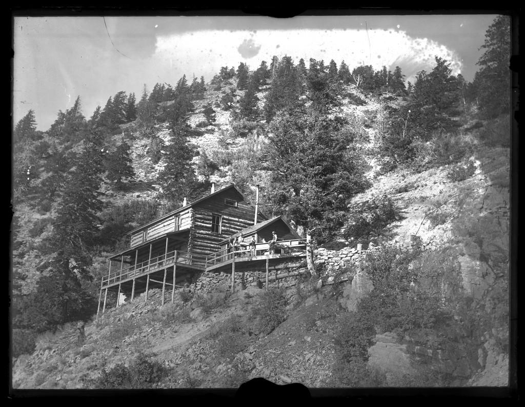 Log_boarding_house_at_Upper_Camp_Baker_Mine_in_Baker_Canyon_Utah