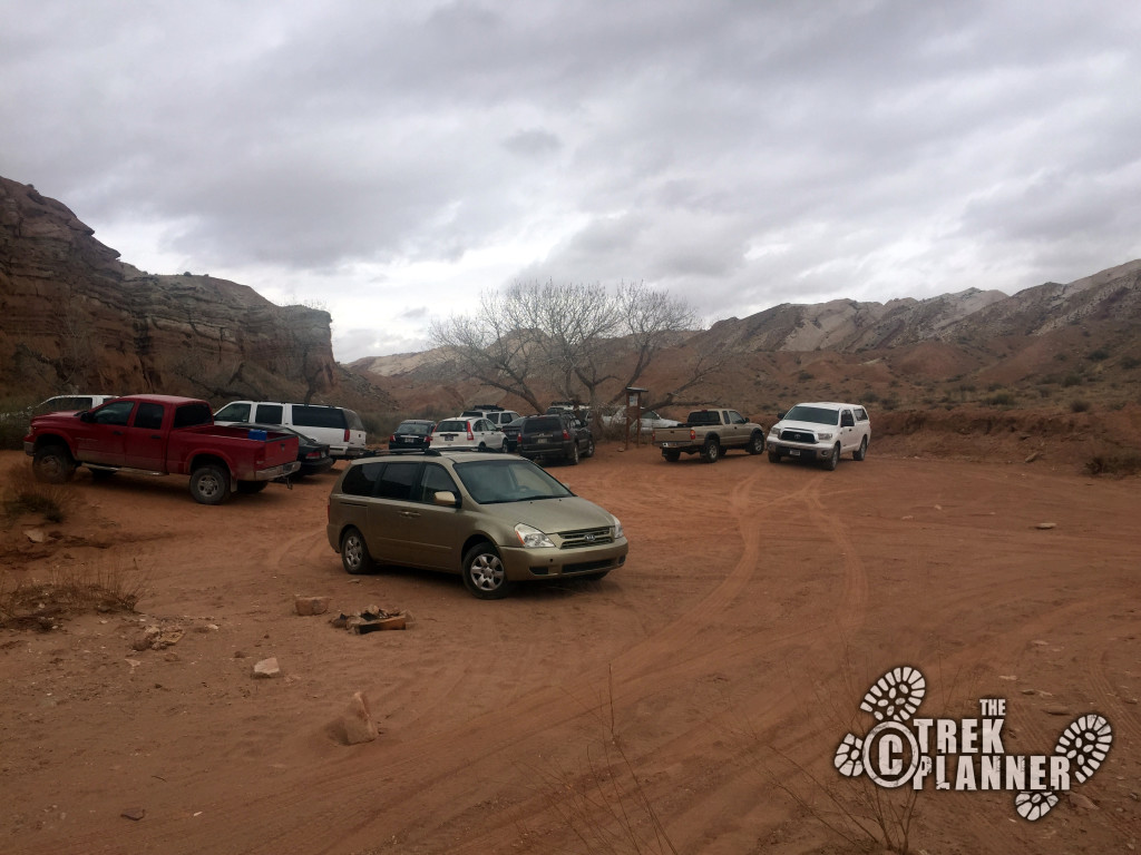 Ding and Dang Canyon Parking Lot